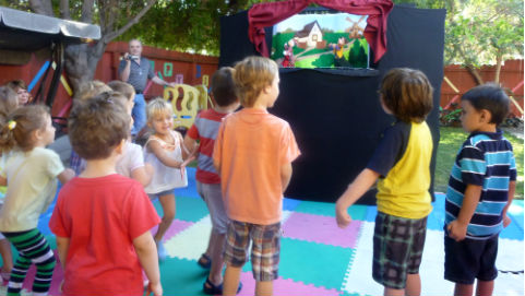 Puppet show at the park