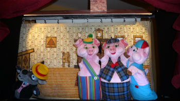 Puppet Show Three Little Pigs